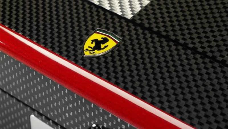 Ferrari chess set: play the emotion