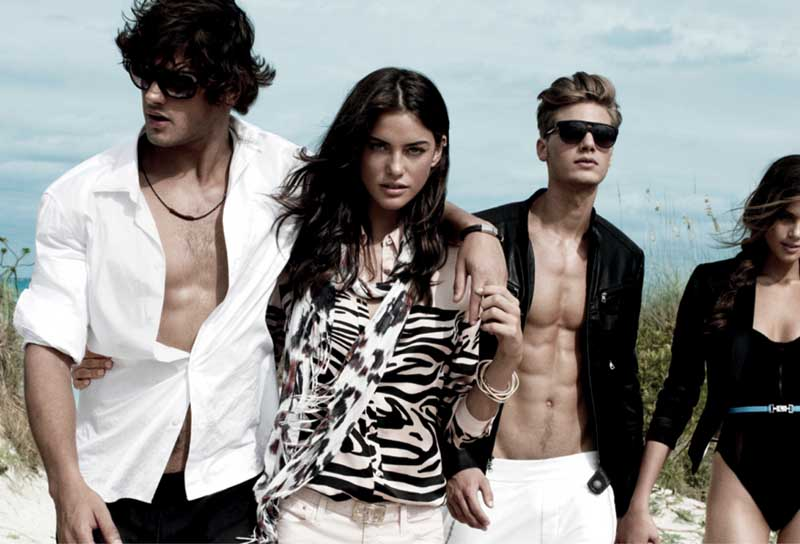 Luxury brands: the best fashion brands for your Christmas gifts