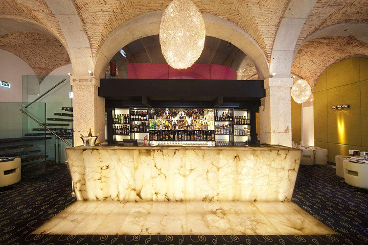 Luxury escapes in South Portugal: the best gin bars