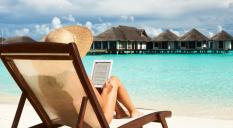 Luxury goods magazines to keep on vacation